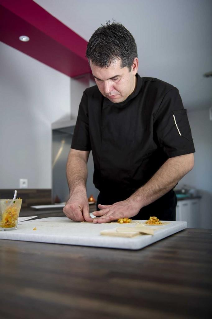 Gaël DASSONVILLE en cuisine : réalisation de ravioles maison